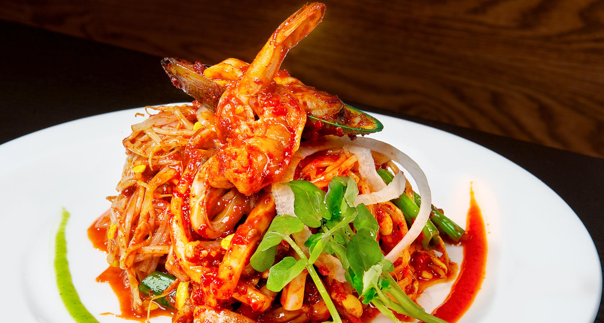 House special spicy seafood: tasty way to combat the summer heat